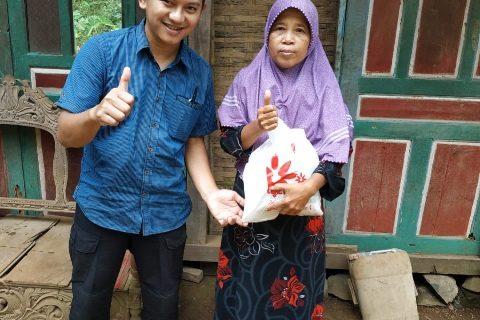 LAZISMU Dan Pemuda Muhammadiyah Plajan Berbagi Menjelang Hari Nan Fitri