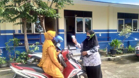 Pembagian Nilai Rapor, SD Muhammadiyah Bangsri Terapkan Protokol Kesehatan