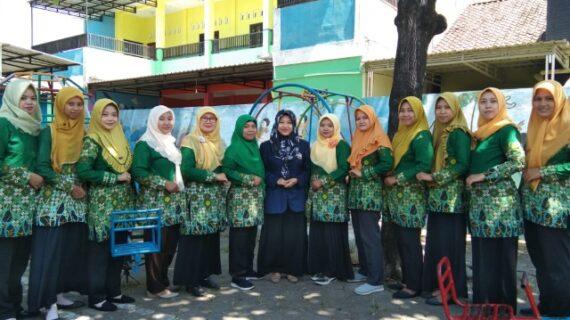 Mahasiswa STAIT BIAS Laksanakan KKN-PPL Di TK ABA 02 Puwogondo