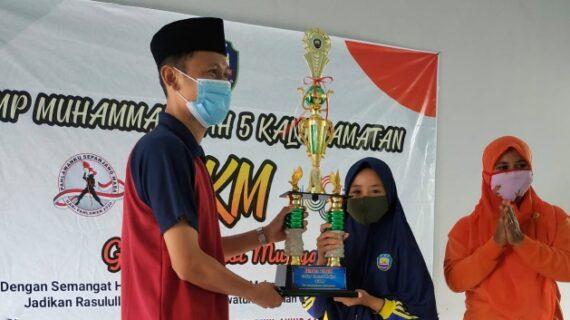 SMP Muliya Gelar Puncak Gelar kreasi Muliya Dan Serahkan Piala Kepada Pemenang
