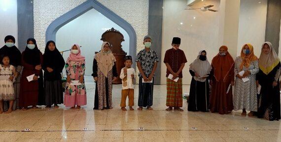 Pengurus Masjid Al Istiqomah Tahunan Santuni Anak Yatim